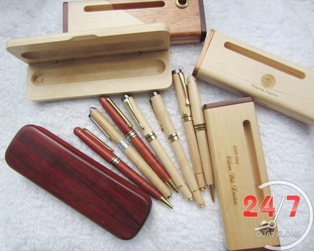 bút gỗ nắp xoay